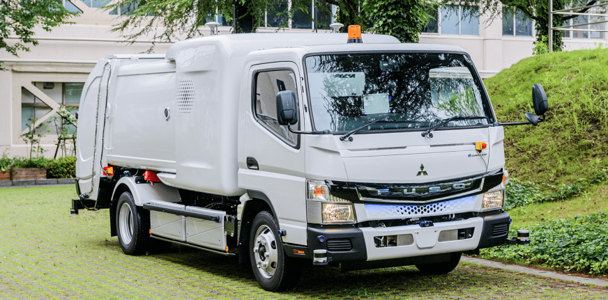 Люди будуть не потрібні: японці презентували напівавтономний електричний сміттєвоз