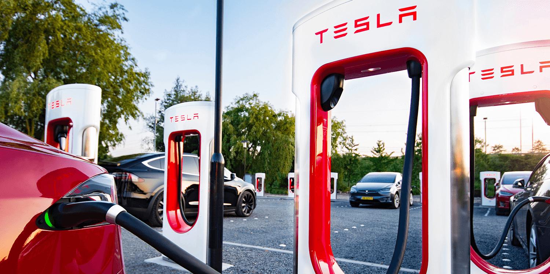 Tesla інвестує в Китай: у Шанхаї побудують фабрику з виробництва станцій Supercharger