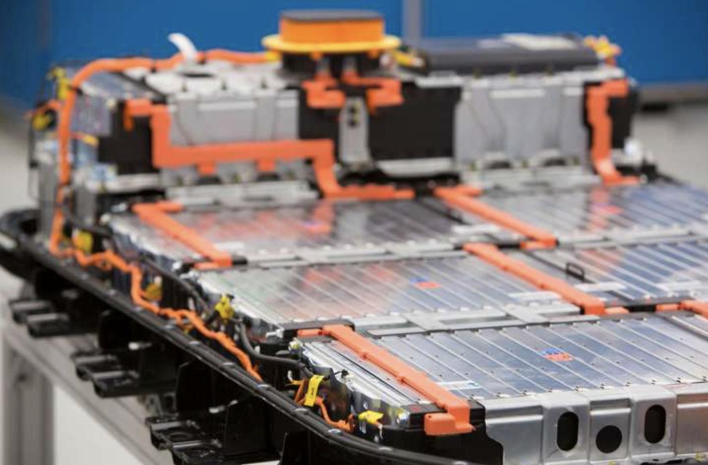 LG Chem планує подвоїти виробництво акумуляторів для електромобілів Tesla