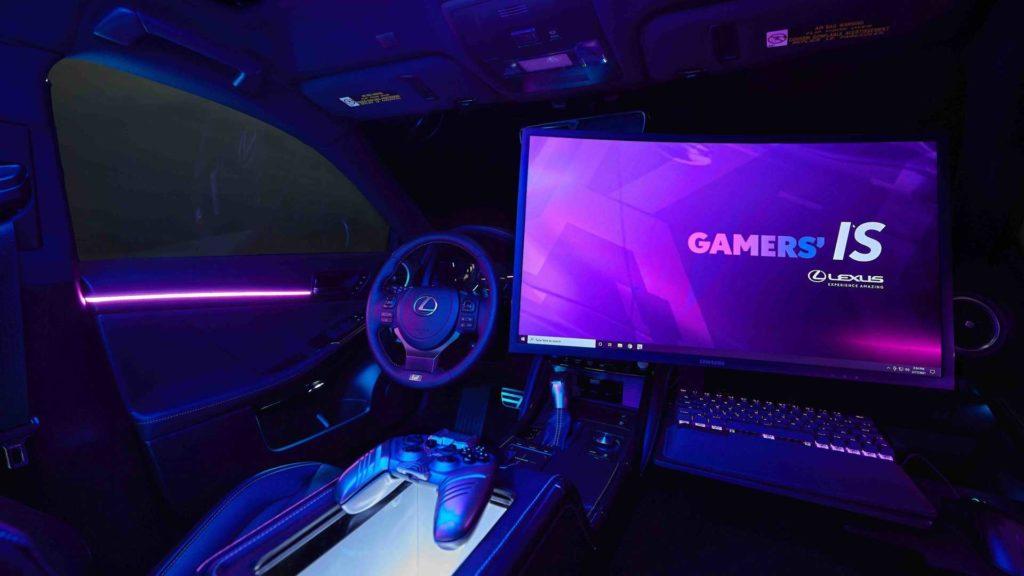 27-дюймовий 4K-монітор та висувна клавіатура з мишею: геймерський Lexus IS визначив смаки покоління Twitch