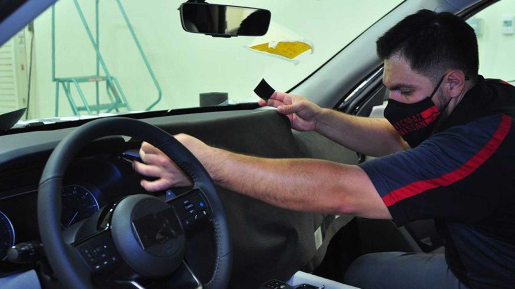 3200 км камуфляжної плівки за рік: Nissan поділився секретами маскування прототипів