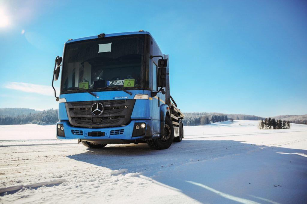 Електровантажівки Mercedes-Benz перевірили в умовах морозів: результати не афішують