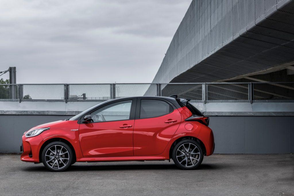 """В Європі визначили переможця конкурсу """"Автомобіль року 2021"""": перший приз у Toyota Yaris"""