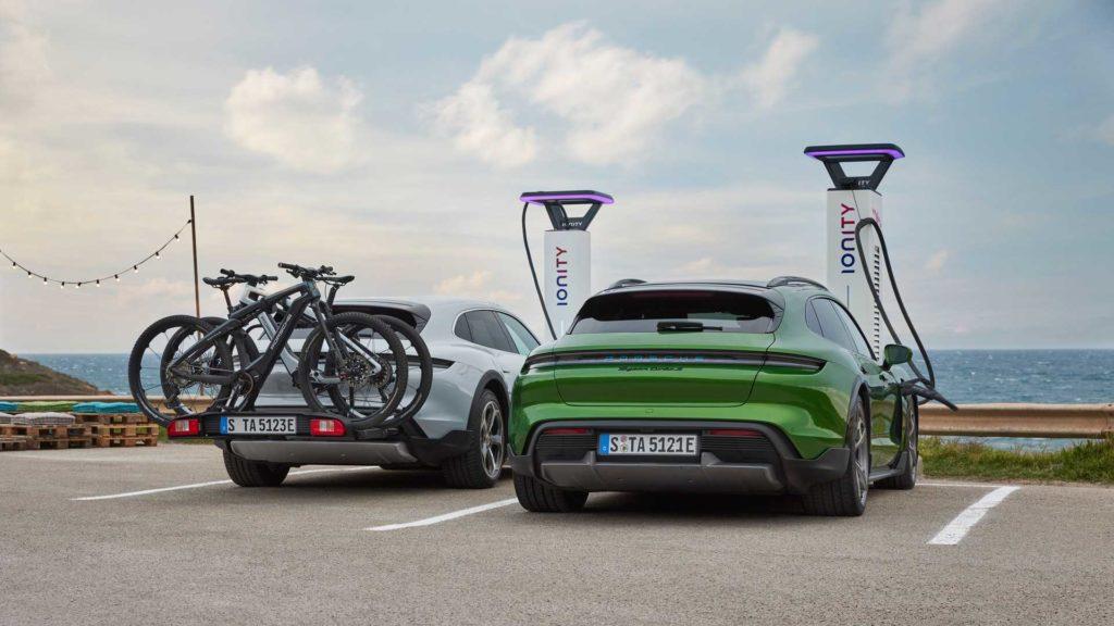 Найкрасивіший універсал: електромобіль Porsche Taycan Cross Turismo представлено офіційно