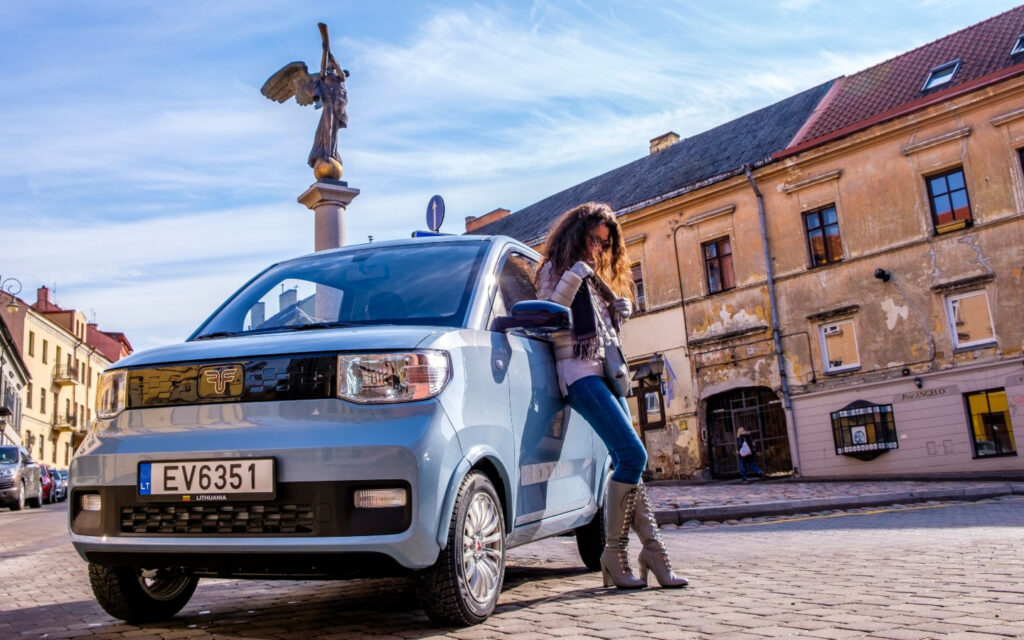 10 тисяч євро та понад 200 км пробігу без підзарядки: у Литві налагодили виробництво бюджетного електромобіля