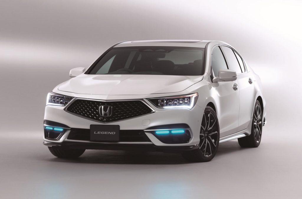 Можна без рук: Honda представила вдосконалену версію систем допомоги водієві Sensing Elite