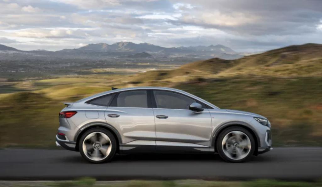 500 км запасу ходу й розгін за 6,2 секунди: електрокросовери Audi Q4 e-tron і Q4 Sportback e-tron представлені офіційно