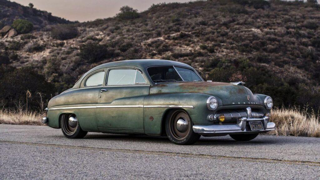 Шикарний Mercury Eight 1949 року перетворили на електромобіль із батареями від Tesla