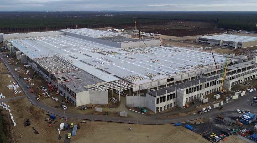 Жертва бюрократії: запуск заводу Tesla у Берліні відкладено до кінця 2021 року