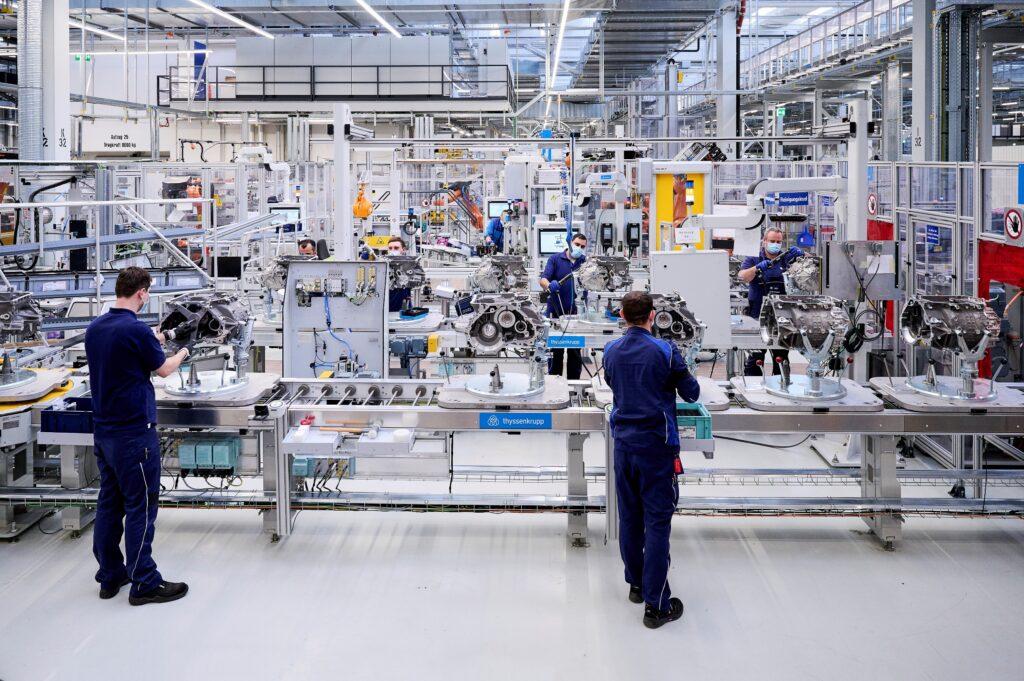 BMW Group почала виробництво електроприводів для BMW iX та BMW i4