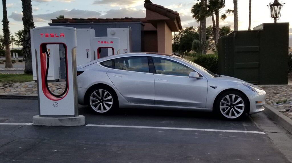 Вуглецевий слід: скільки потрібно проїхати електромобілю, щоб стати «чистішим» за ДВЗ