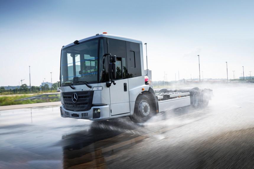 Електричний сміттєвоз Mercedes-Benz почали тестувати перед серійним випуском