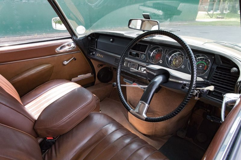 Понад 300 км на одному заряді: культовий Citroen DS 1971 року перевели на електротягу