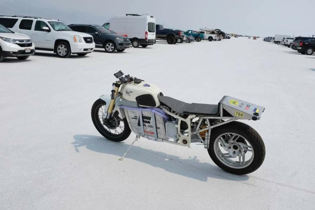 172,61 км/год: український спортсмен встановив світовий рекорд швидкості на електромотоциклі Dnepr Electric