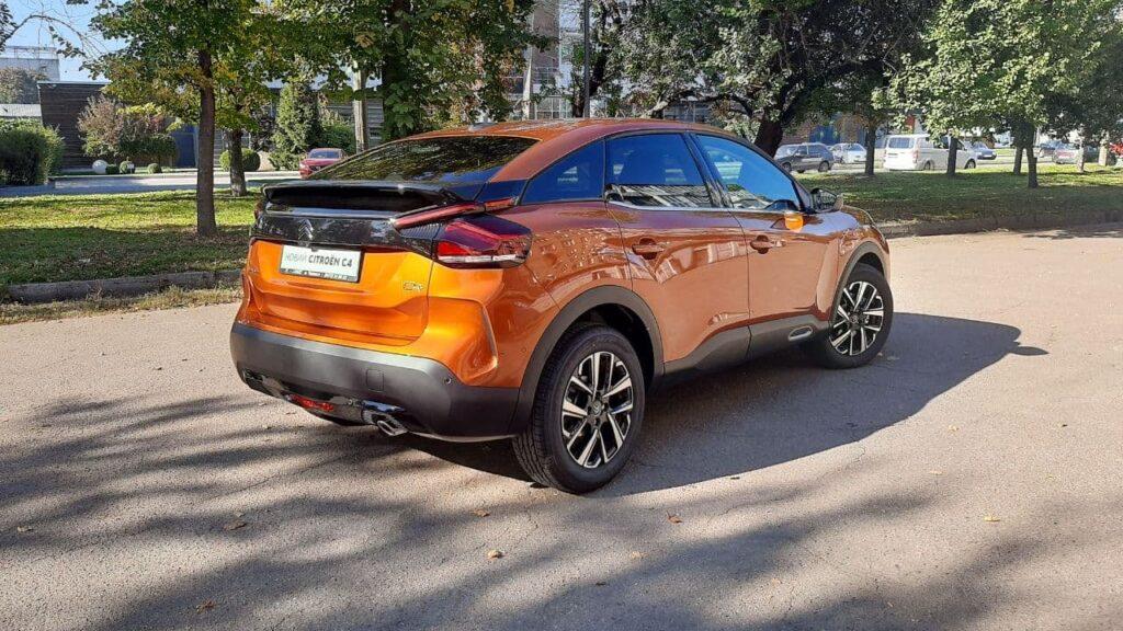 Бензин або дизель: новий крос-хетч CITROËN C4 з